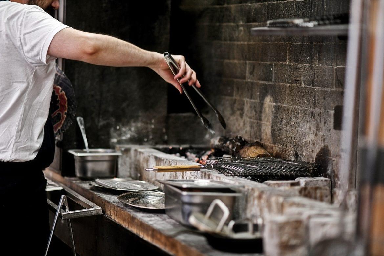 פרויקט תכנון מלא של המטבח ועמדות העבודה של אייבי - מסעדת דגים ופירות ים
