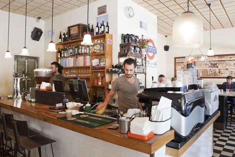 פרויקט הקמה מלאה של התחתית - בית קפה תל אביבי התחתית