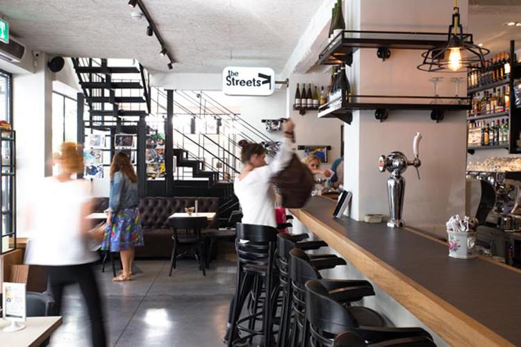 פרויקט תכנון מטבח מלא לרשת סטריטס - בית קפה שכונתי תל אביבי