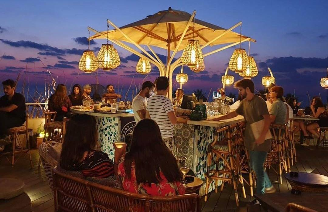 בר מסעדה ים תיכונית Por Do Sol